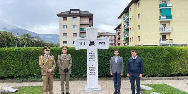 Monument al eroilor români din Primul Război Mondial - ridicat la Bolzano, Italia