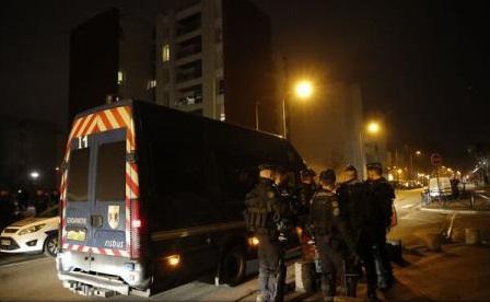 Noi incidente lângă Paris după acuzații de acte de violență comise de poliție