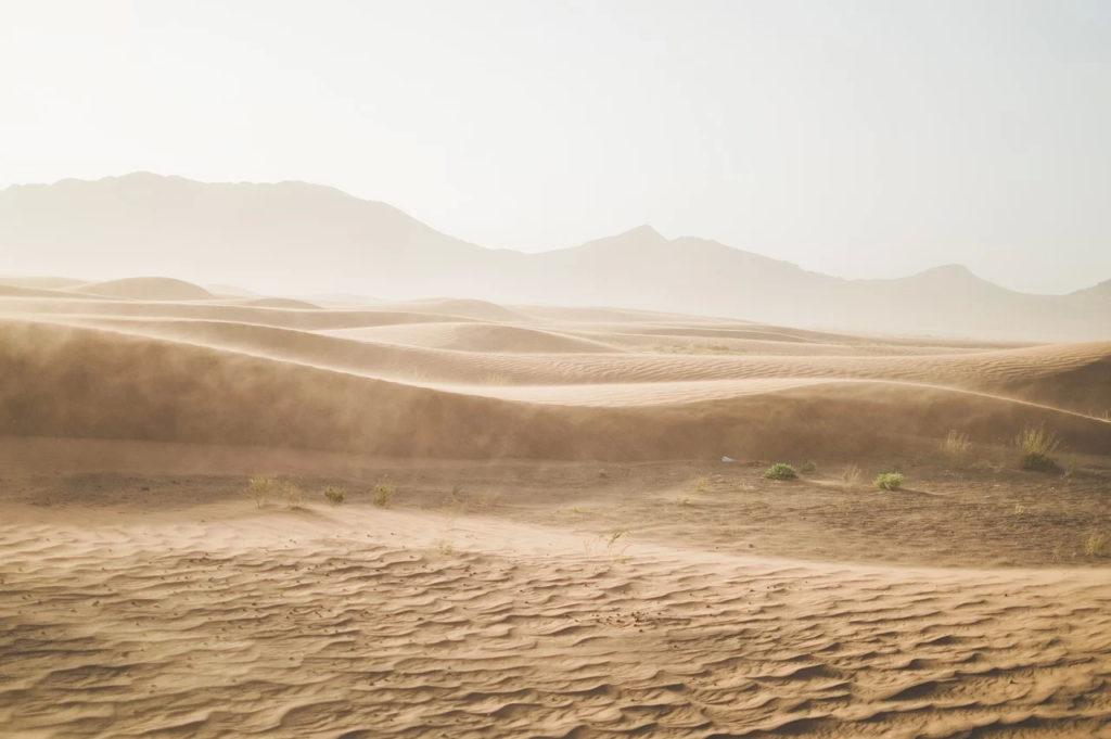Norul de nisip din Sahara a condus la o scădere a calităţii aerului în Europa (Copernicus)