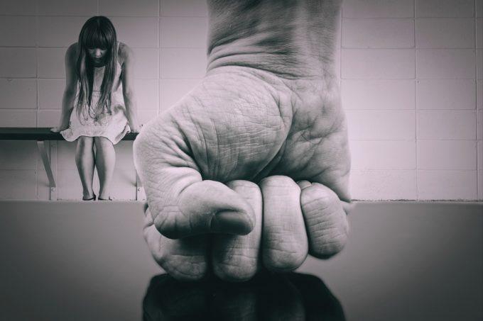 NuTeLasaDusa.ro, platformă dedicată potenţialelor victime ale traficului de persoane