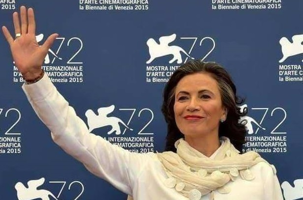 O actriță de Hollywood vine în România, alături de singurul mariachi român, Radhu