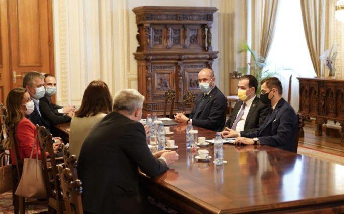 Orban: România - între primele ţări în ce priveşte viteza internetului; ne propunem ca această poziţie să fie menţinută