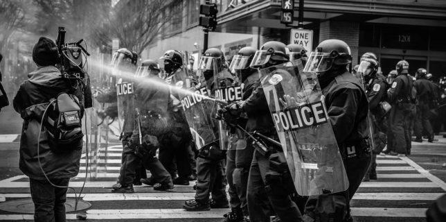 Pandemia bate Democrația - Freedom House: Democraţia în lume a suferit în vremea pandemiei