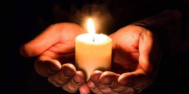 Papa Francisc se roagă pentru victimele tragediei de la spitalul din Piatra Neamţ
