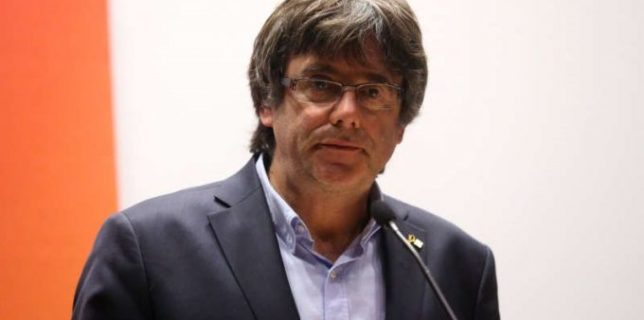 Parlamentul European i-a ridicat imunitatea fostului lider catalan Puigdemont şi altor doi eurodeputaţi catalani