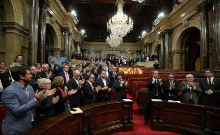 Parlamentul regiunii Catalonia a votat pentru începerea 'procesului constitutiv' de separare de Spania