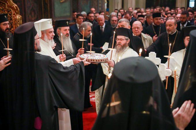 Patriarhul Daniel: Comemorarea eroilor din Decembrie 1989 - datorie morală, act de preţuire a jertfelniciei lor