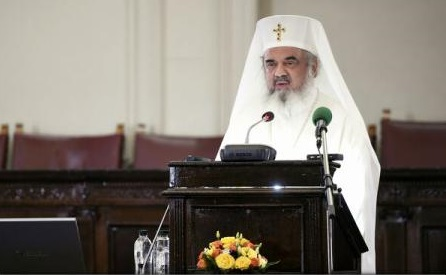 Patriarhul Daniel: Pomenirea eroilor români la sfintele slujbe ale Bisericii - semnul recunoașterii demnității și al respectului