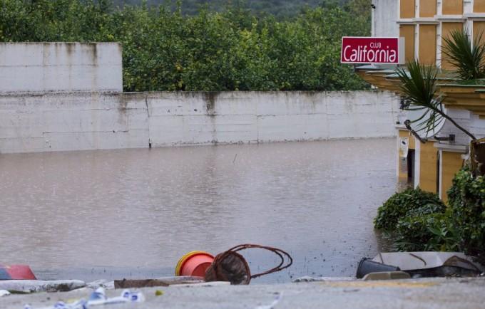 Patronul clubului de noapte din Malaga, unde s-a înecat o româncă, reținut de polițiști