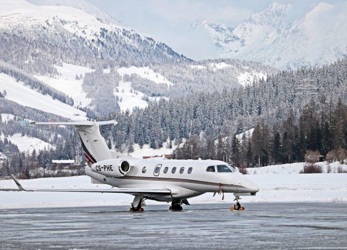 Peste 100 de zboruri întârziate şi peste 6.800 de pasageri afectaţi în ultimii 5 ani, în perioada Crăciunului şi a Revelionului