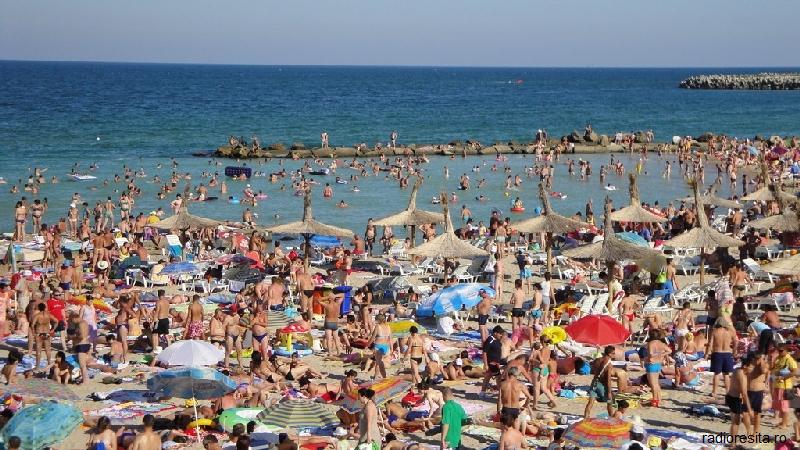Peste 120.000 de români au cheltuit 5,5 milioane de euro la mare, în primul weekend din septembrie