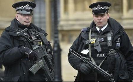 Poliția britanică nu a găsit dovezi că autorul atacului de săptămâna trecută ar fi avut vreo legătură cu Statul Islamic
