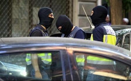 Poliția spaniolă a reținut la Madrid trei jihadiști, dintre care unul ''extrem de periculos''
