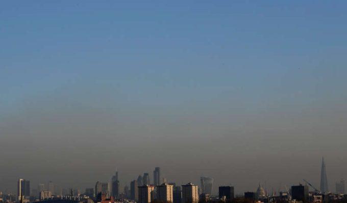 Poluarea a contribuit la moartea unei fetiţe care locuia la Londra, potrivit justiţiei britanice