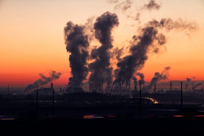 Poluarea aerului provoacă 8,8 milioane de decese premature în fiecare an (studiu)