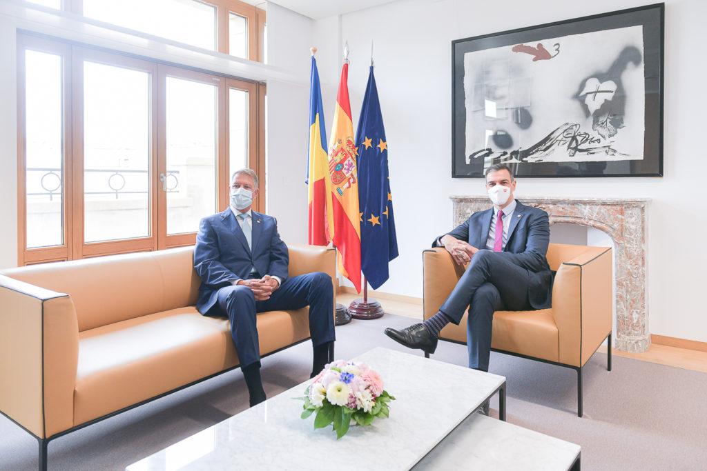 Preşedintele Iohannis s-a întâlnit, la Bruxelles, cu premierul Spaniei; discuţiile au vizat aprofundarea Parteneriatului Strategic