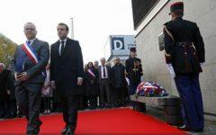 Președintele francez aduce un omagiu victimelor atentatelor din 13 noiembrie 2015