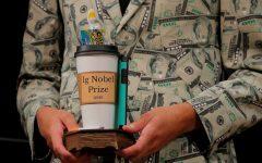 Premiile Ig Nobel: Bacteriile de pe bani, pizza ca medicament şi alte experimente trăsnite