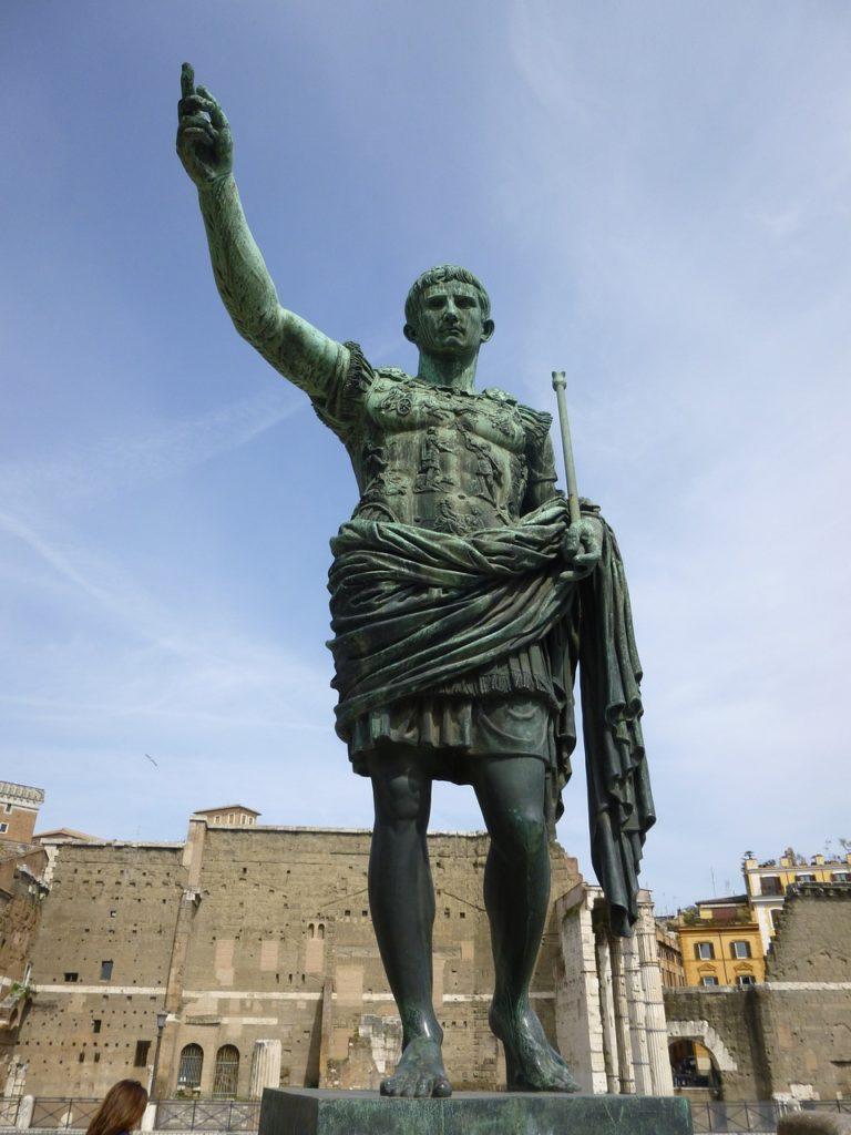Primăria din Roma va restaura Largo di Torre Argentina, templul în care ar fi fost asasinat Iulius Cezar