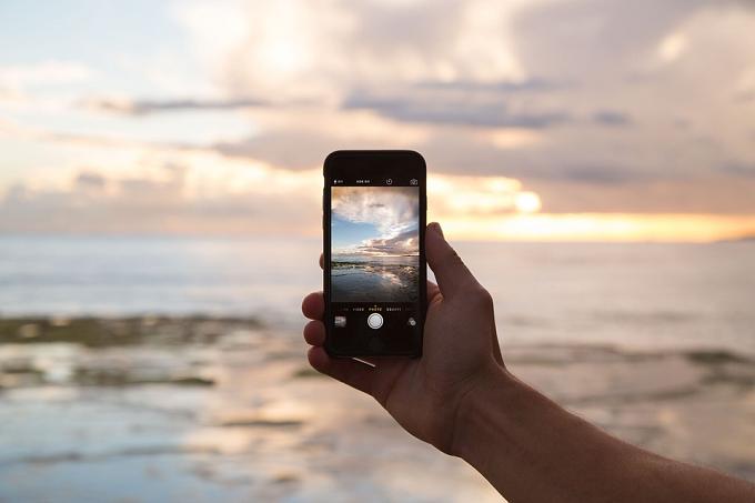 Prima vară fără tarife de roaming: europenii pot vedea avantajele noilor norme