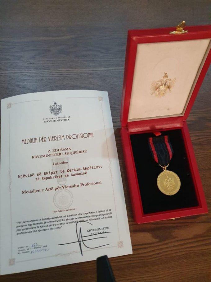 Primul-ministru al Albaniei a acordat salvatorilor români Medalia de aur de apreciere profesională