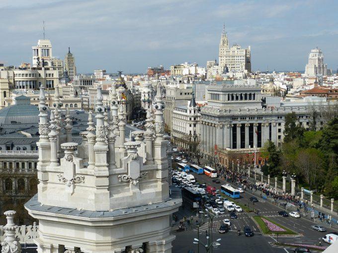 Proxeneţi români care acţionau în Madrid, trimişi în judecată; lider al grupării - ţinta unui atentat cu bombă