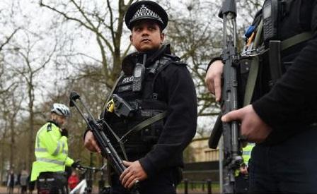 Razii și arestări în Marea Britanie într-o operațiune împotriva exploatării muncii imigranților
