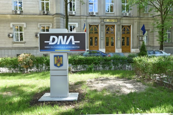 Reprezentanţii Declic anunţă că vor depune vineri un denunţ la DNA pe numele premierului Florin Cîţu