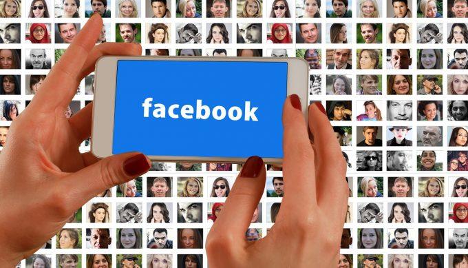 Respectarea vieţii private: Facebook suspendă zeci de mii de aplicaţii