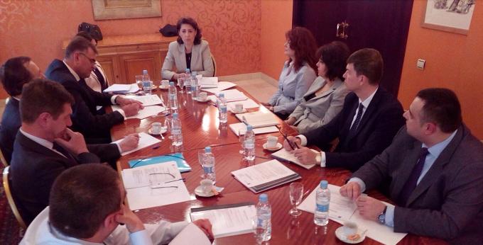 Reuniune de lucru a ambasadorului cu şefii oficiilor consulare de carieră din Spania