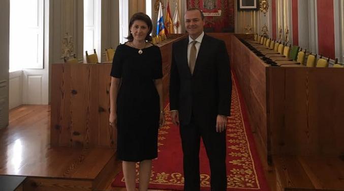 Reuniunea Ambasadorului cu Primarul orașului Las Palmas de Gran Canaria