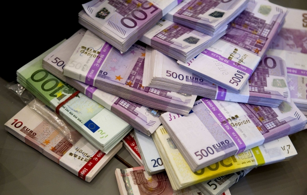 România trebuie să plătească 1,26 miliarde euro către Uniunea Europeană și Banca Mondială, în 2017