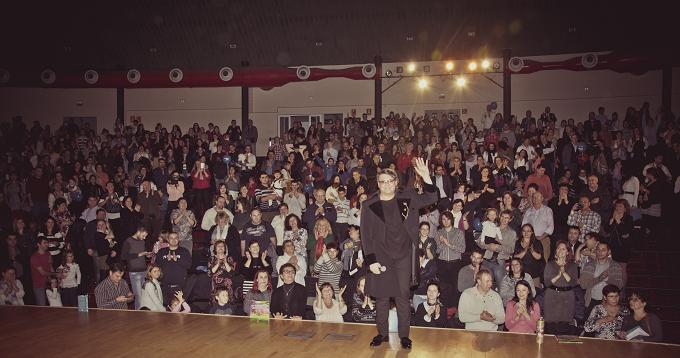 Românii din comunitatea Madrid au petrecut într-un dublu concert Fuego - Acasă de Crăciun