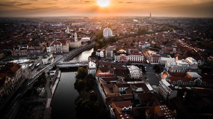 Românii sunt cei mai interesaţi să economisească pentru a-şi cumpăra o casă, la nivel european (studiu)