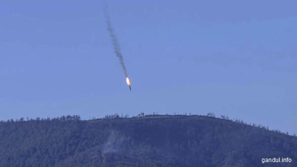 Rusia: Vladimir Putin decorează echipajul avionului Su-24 doborât de Turcia
