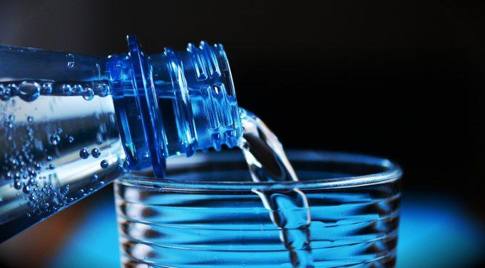 SUA - Contaminarea cu microplastic, identificată în surse comune de apă subterană (studiu)