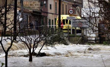 Schimbările climaterice vor provoca mai multe inundații și perioade de secetă în Europa (AEM)