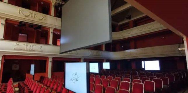 Sibiu: Prima filarmonică din România cu monitoare în sală pentru spectatorii conectaţi pe ''zoom''