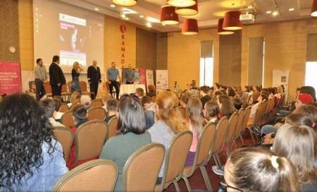 Sibiu: S-au lansat ghidurile pentru protecția copiilor în mediul online; urmează cursuri gratuite