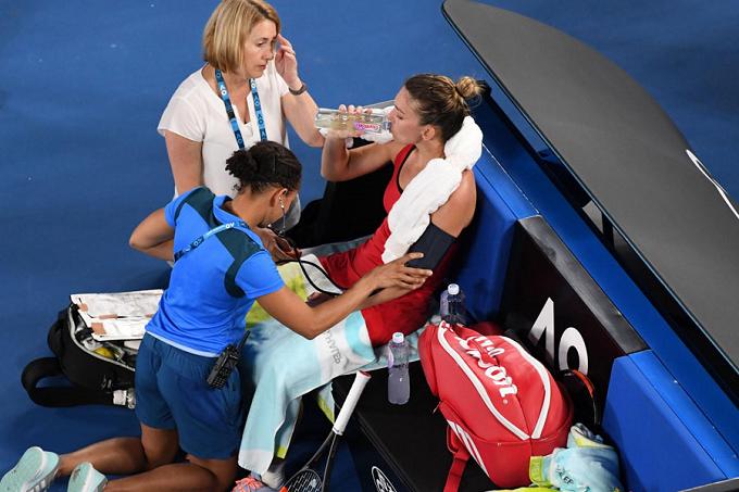 Simona Halep fue hospitalizada por deshidratación tras perder la final de Melbourne