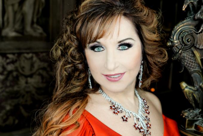 Soprana Elena Moşuc a câştigat mai multe concursuri internaţionale, devenind cea mai valoroasă soprană a lumii