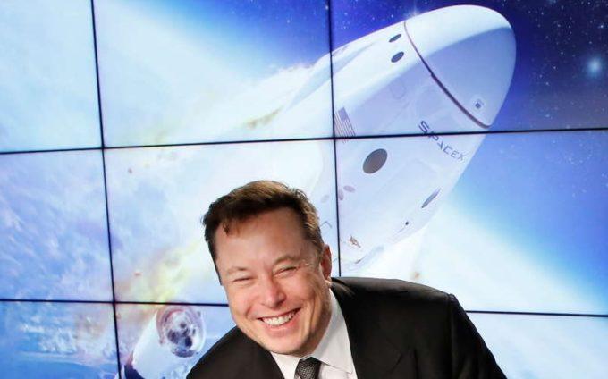 SpaceX va lansa o misiune pe Lună plătită în Dogecoin