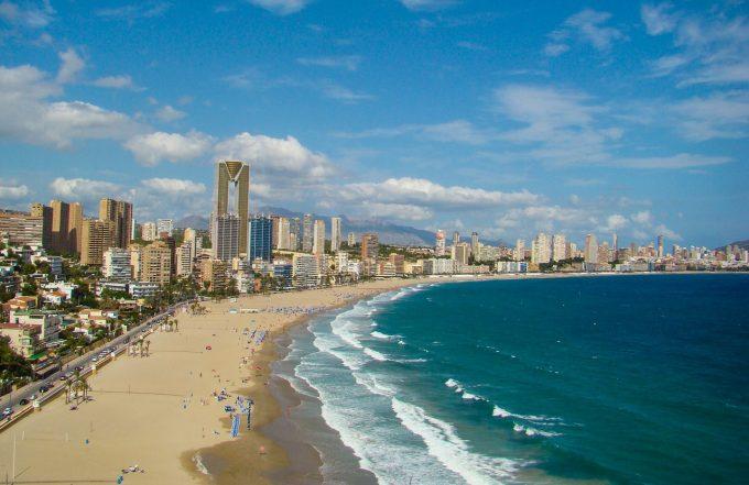 Spania îşi va deschide graniţele pentru turiştii străini începând din luna iulie