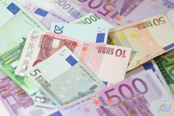 Spania: Aplicaţie de inteligenţă artificială capabilă să prezică riscurile de corupţie