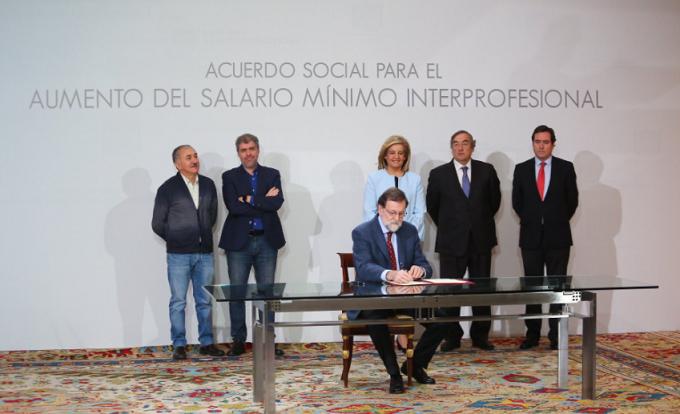 Spania: Salariul minim va creşte cu 4% în 2018, la 736 de euro, până la 850 de euro în 2020