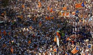 spania-sute-de-mii-de-catalani-au-manifestat-pentru-independenta
