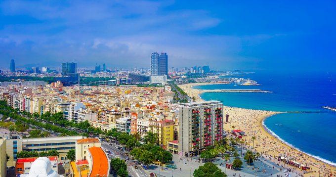 Spania: Veniturile din turism s-au înjumătăţit în primele patru luni din 2020