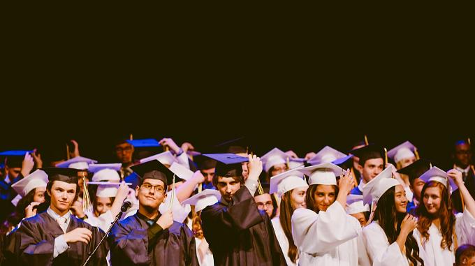 Spania, sub media europeană la rata angajării absolvenţilor de învăţământ superior
