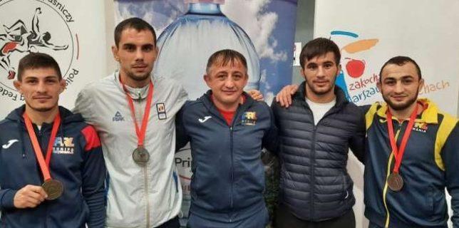 Sportivii români au obţinut trei medalii la lupte libere, la Varşovia, la Openul Poloniei