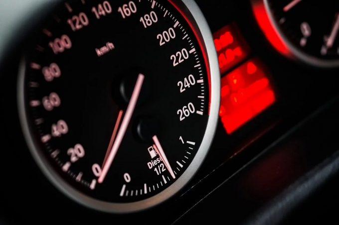 Statele UE au aprobat echiparea obligatorie a autoturismelor cu noi funcţii de siguranţă